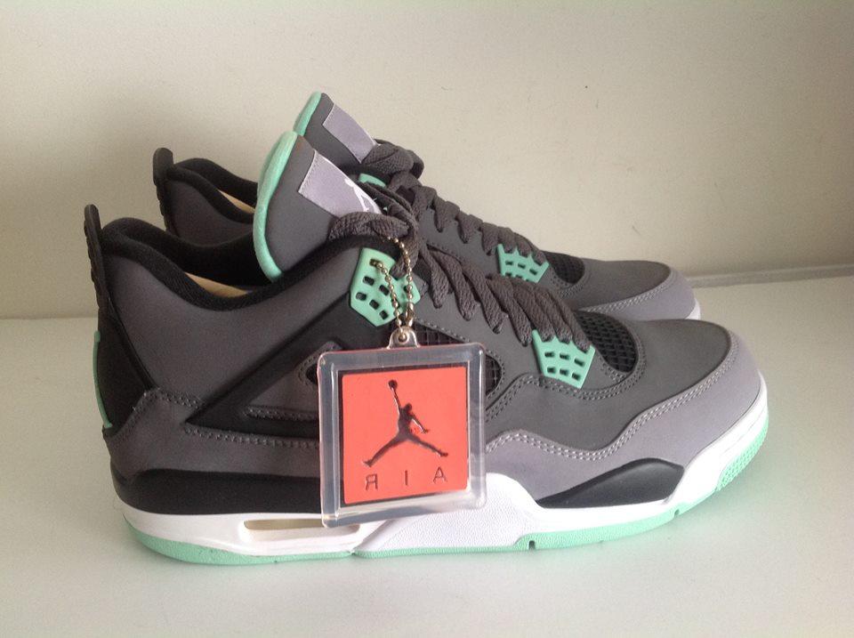 3db720747e2b Air Jordan 4 Retro Dark Grey Green Glow 308497 033 size 9 – Housakicks