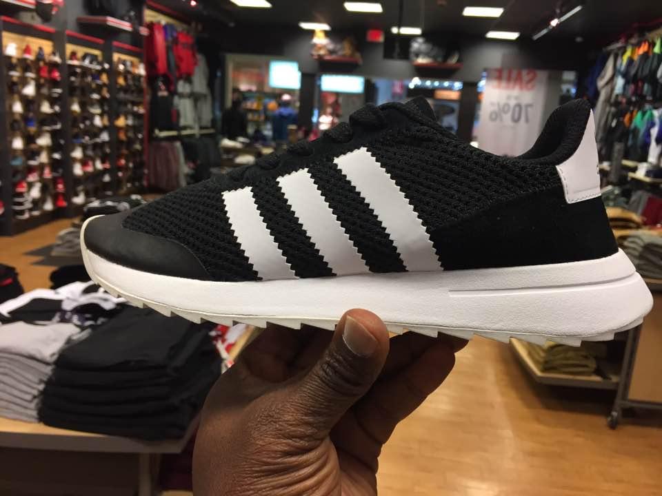df5888e1ceec Quick Look At The Women s Adidas Originals FlashBack BB5323 – Housakicks