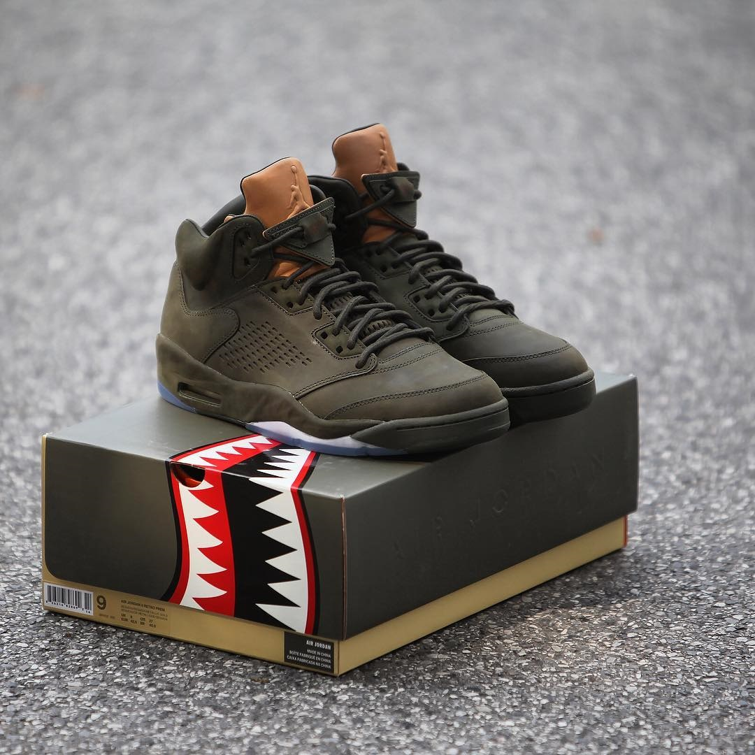 new concept 5c1d2 f34bf Quick Look At The Jordan 5 Take Flight Packaging – Housakicks