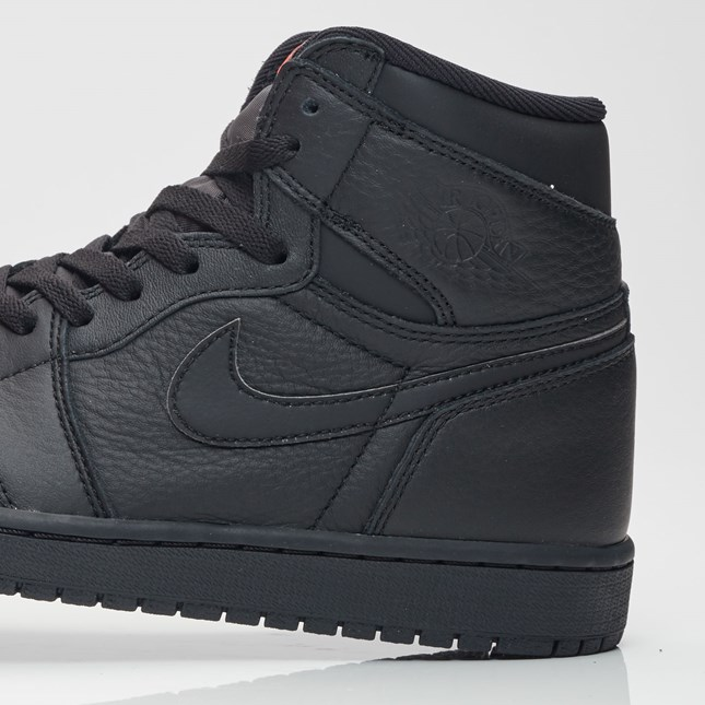 buy online efb09 a6fe1 Triple Black Air Jordan 1 Retro High 555088 022 4 – Housakicks