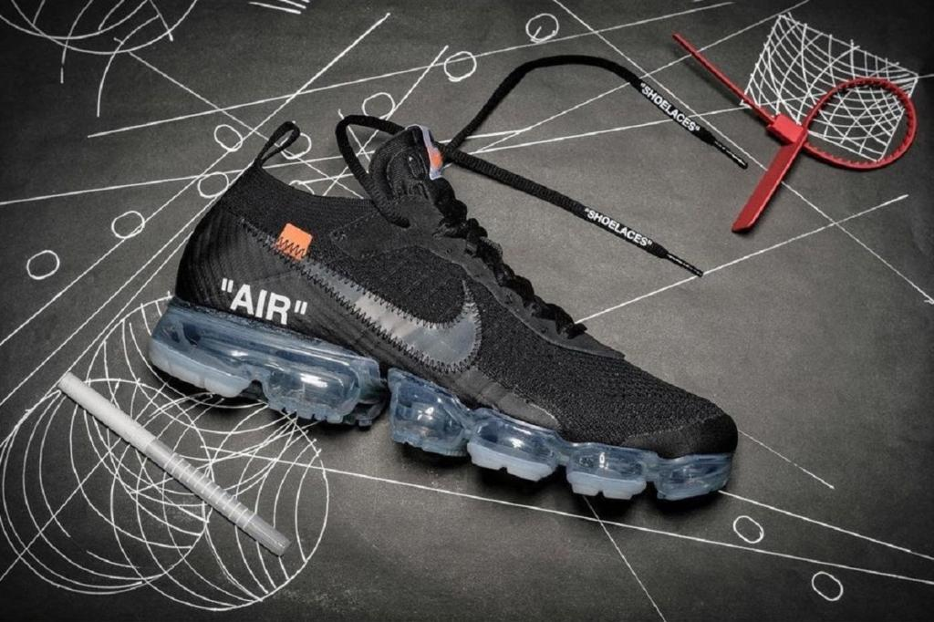 1c037c07afd23 OFF WHITE x Nike Air VaporMax Black AA3831-002