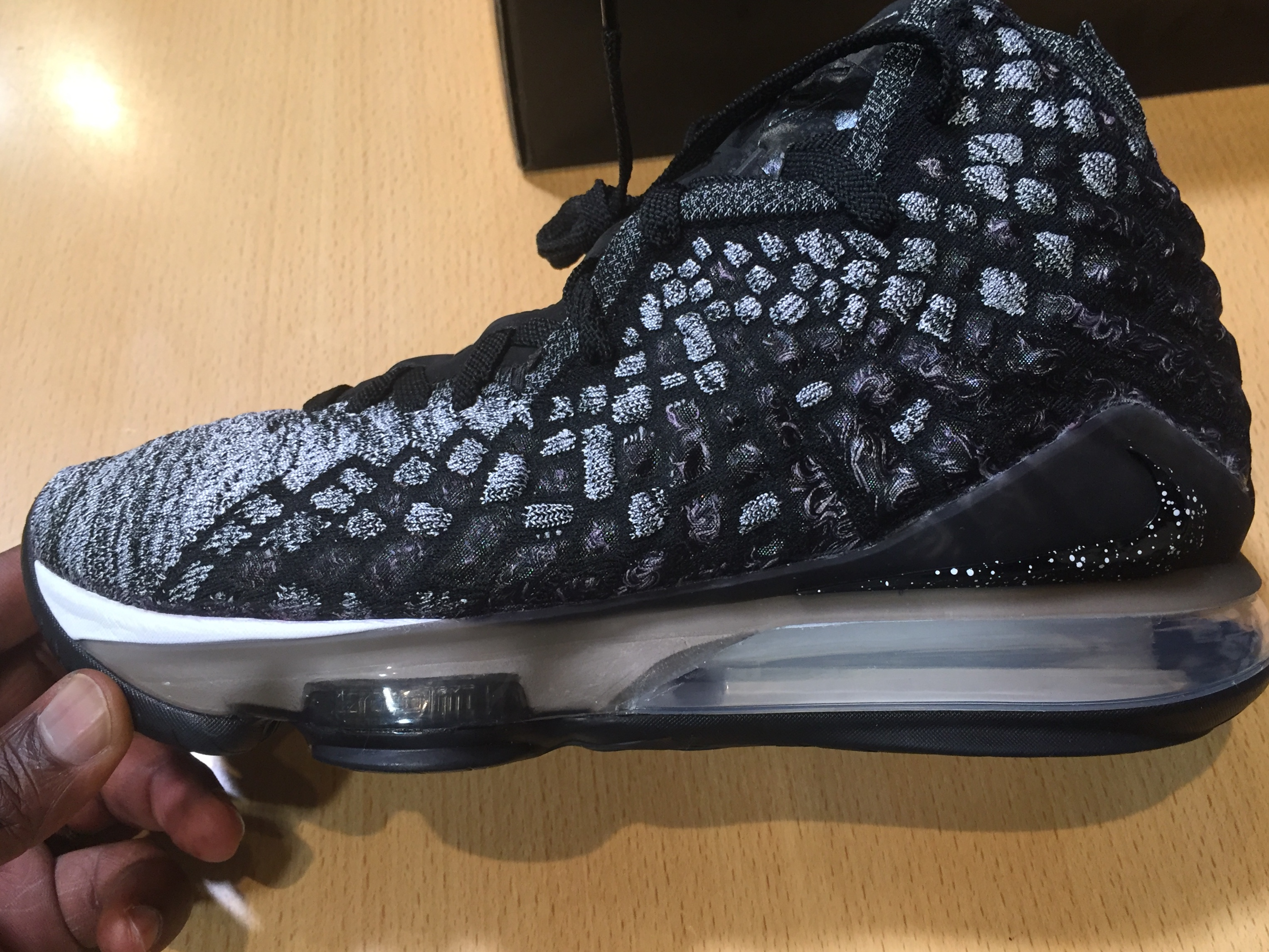 Nike Lebron 17 Oreo Black White BQ3177 002