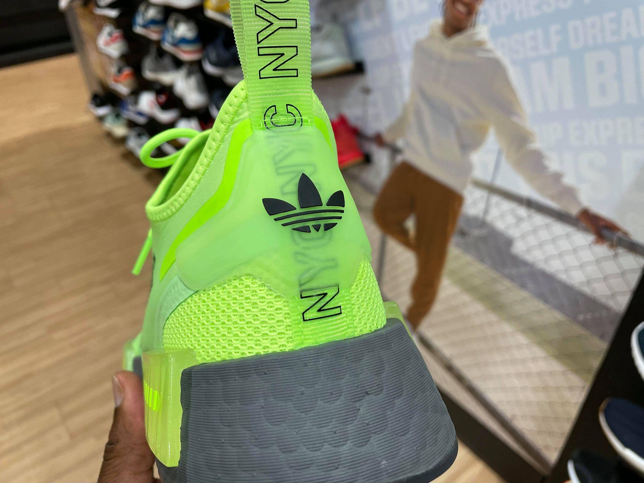 Adidas NMD R1 Spectoo Signal Green GZ9263