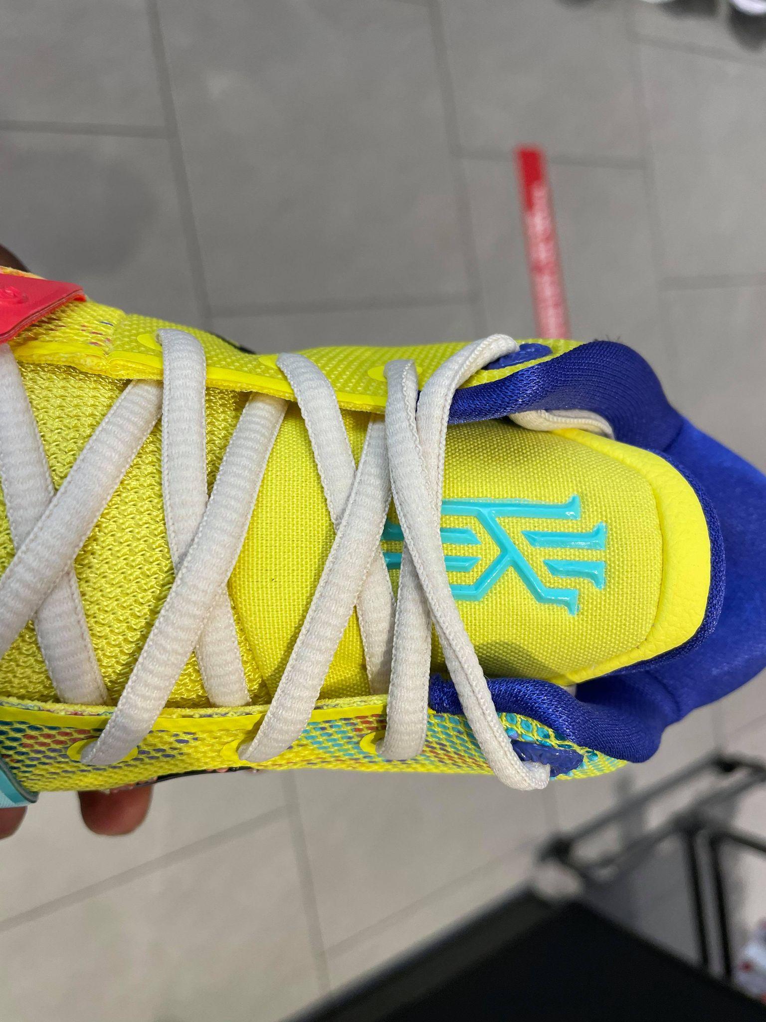 Nike kyrie 7 1 World 1 People CQ9326-700